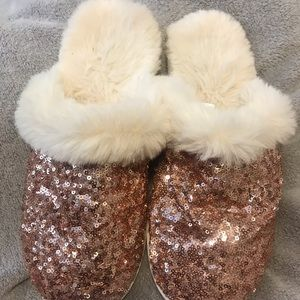 Shoes - Rose gold sequin slipper GUC